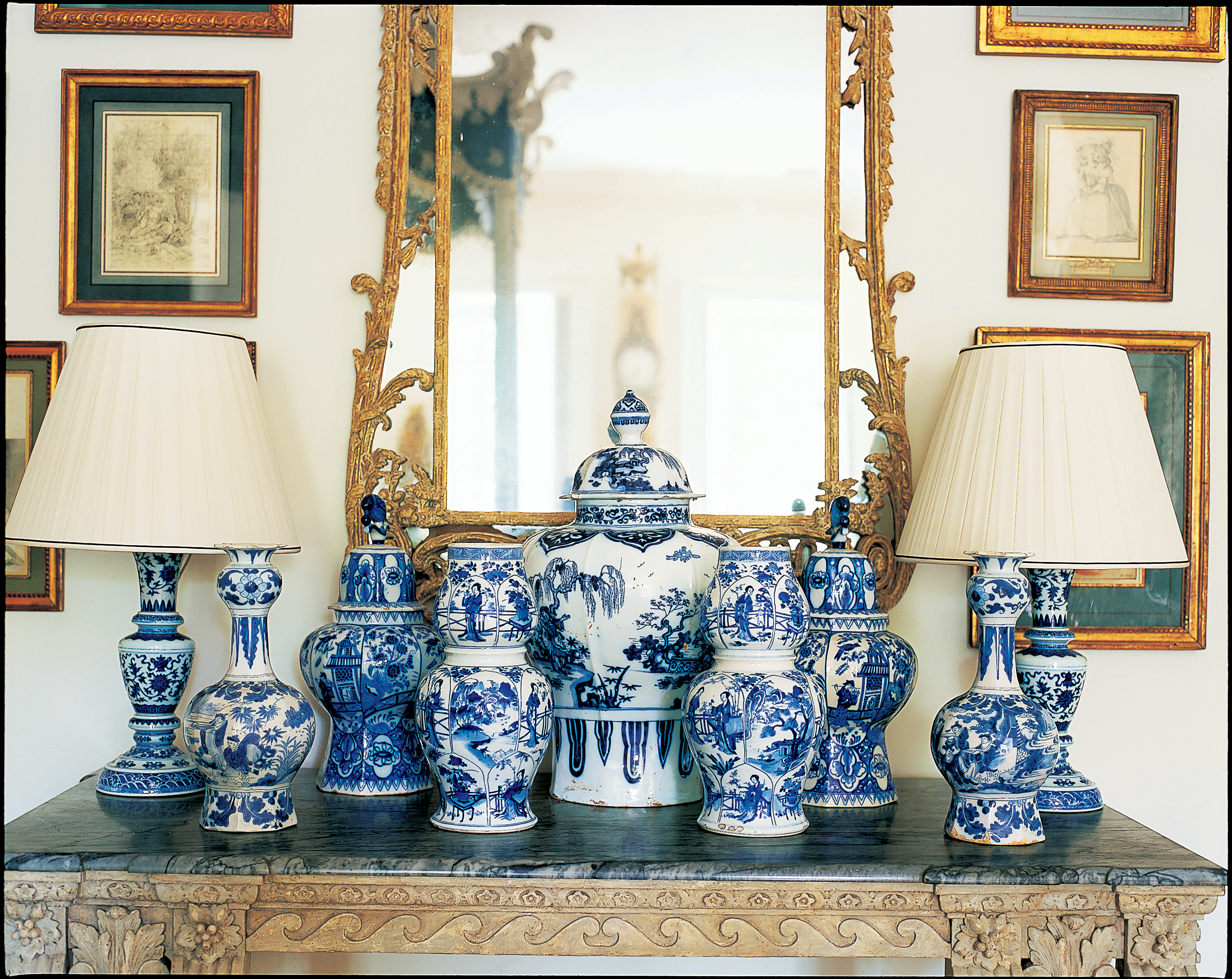 a passion for blue and white carolyne roehm 9780767921138 books. Black Bedroom Furniture Sets. Home Design Ideas
