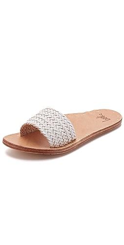Amazon Champayne Lace Court Shoe