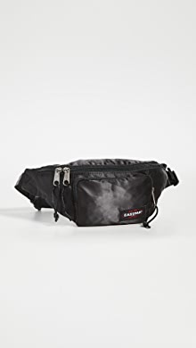 이스트팩 벨트백 Eastpak Page Satin Waist Pack,Satin Black