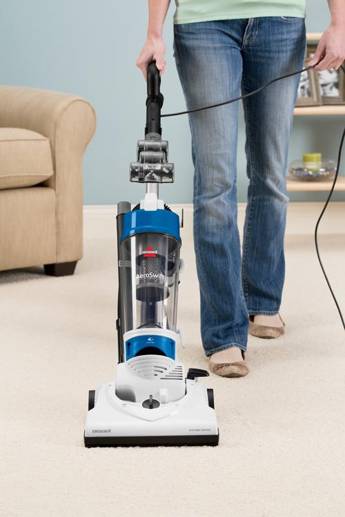 Amazon Com Bissell Aeroswift Compact Bagless Upright Vacuum 1009 Household