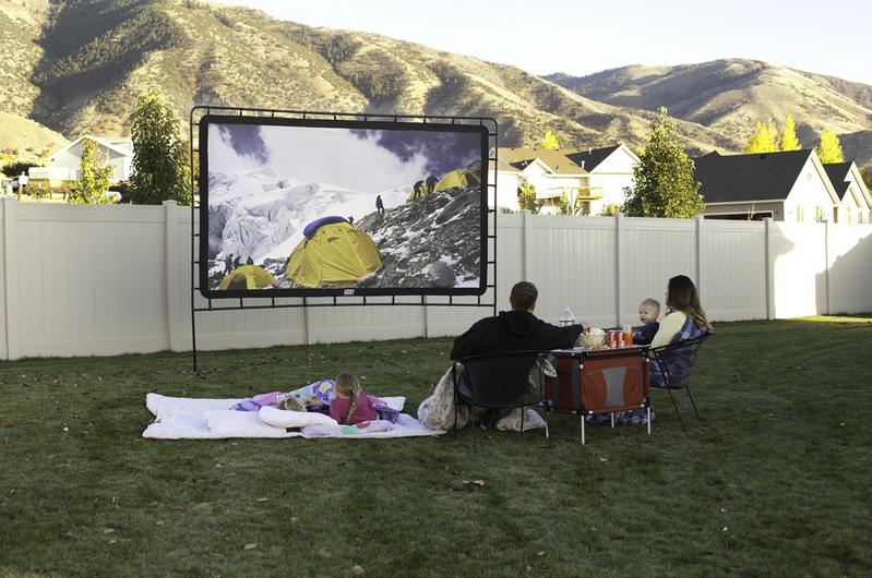 Amazon Com Camp Chef Os 144 Indoor Outdoor Movie Screen