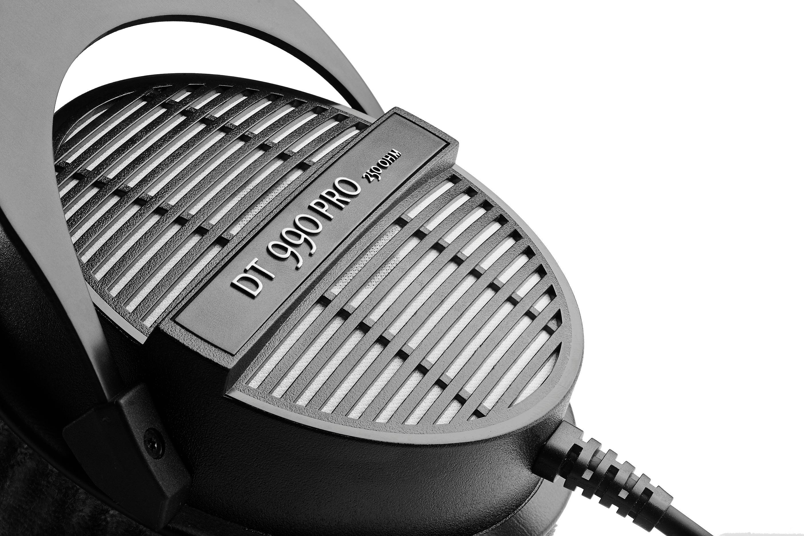 beyerdynamic dt 990 pro 250 professional acoustically open headphones for monitoring. Black Bedroom Furniture Sets. Home Design Ideas