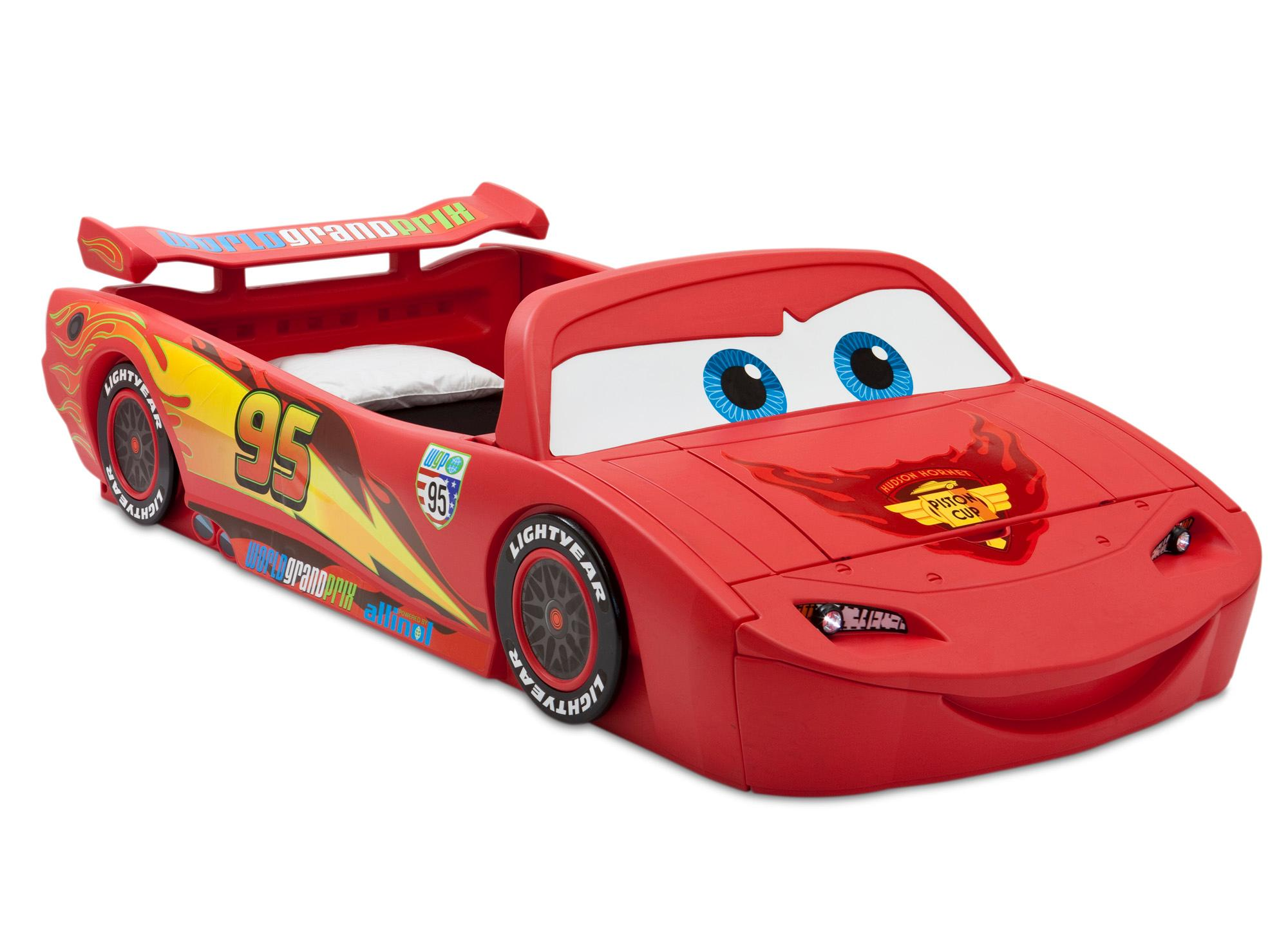 delta children cars lightning mcqueen toddler to twin bed with lights and toy box. Black Bedroom Furniture Sets. Home Design Ideas