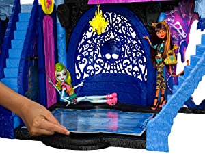 Amazon Com Monster High Freaky Fusion Catacombs Playset
