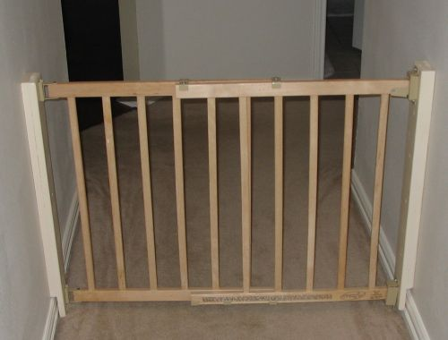 Evenflo Gate: Amazon.com : Evenflo Top Of Stair Gate (Discontinued By
