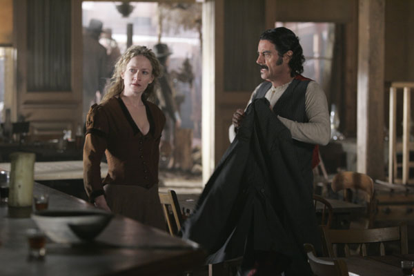 Amazon.com: Deadwood: The Complete Seasons 1-3: Timothy ...