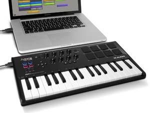 m audio axiom air mini 32 channel midi controller musical instruments. Black Bedroom Furniture Sets. Home Design Ideas