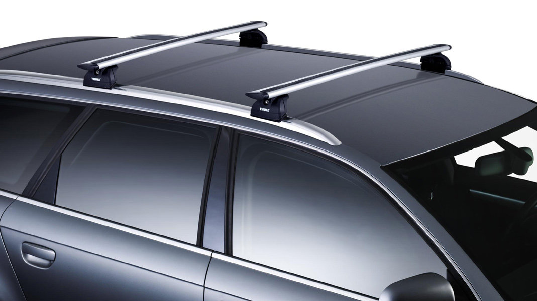 thule 47 aeroblade roof rack bars and 460r rapid podium. Black Bedroom Furniture Sets. Home Design Ideas