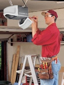 Chamberlain Wd962kev Whisper Drive Garage Door Opener With